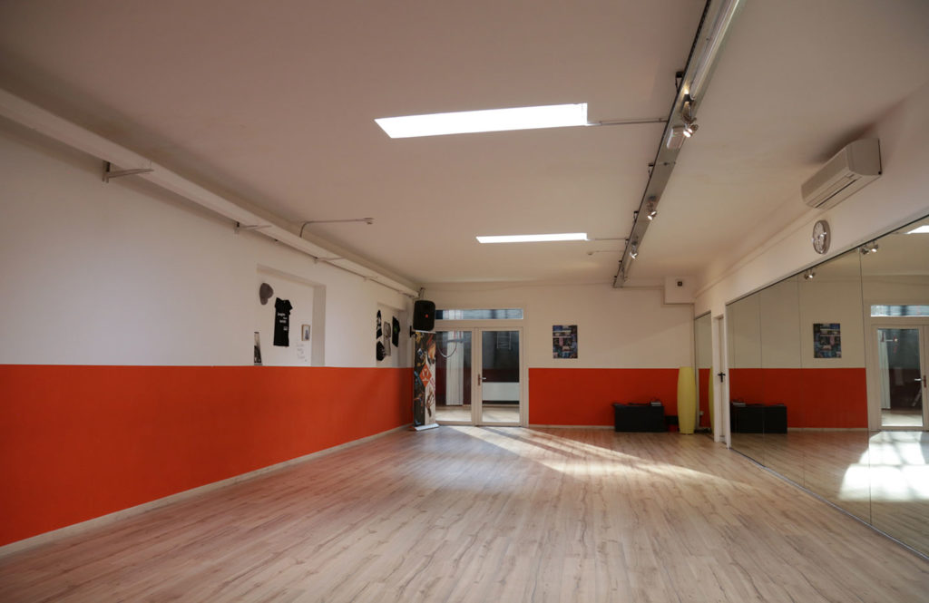 affitto-sala-ritmo-metropolitano-danza